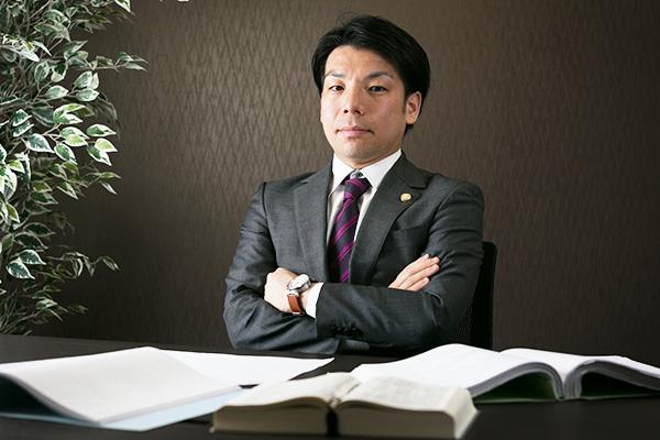 神戸支部長 弁護士 小林優介